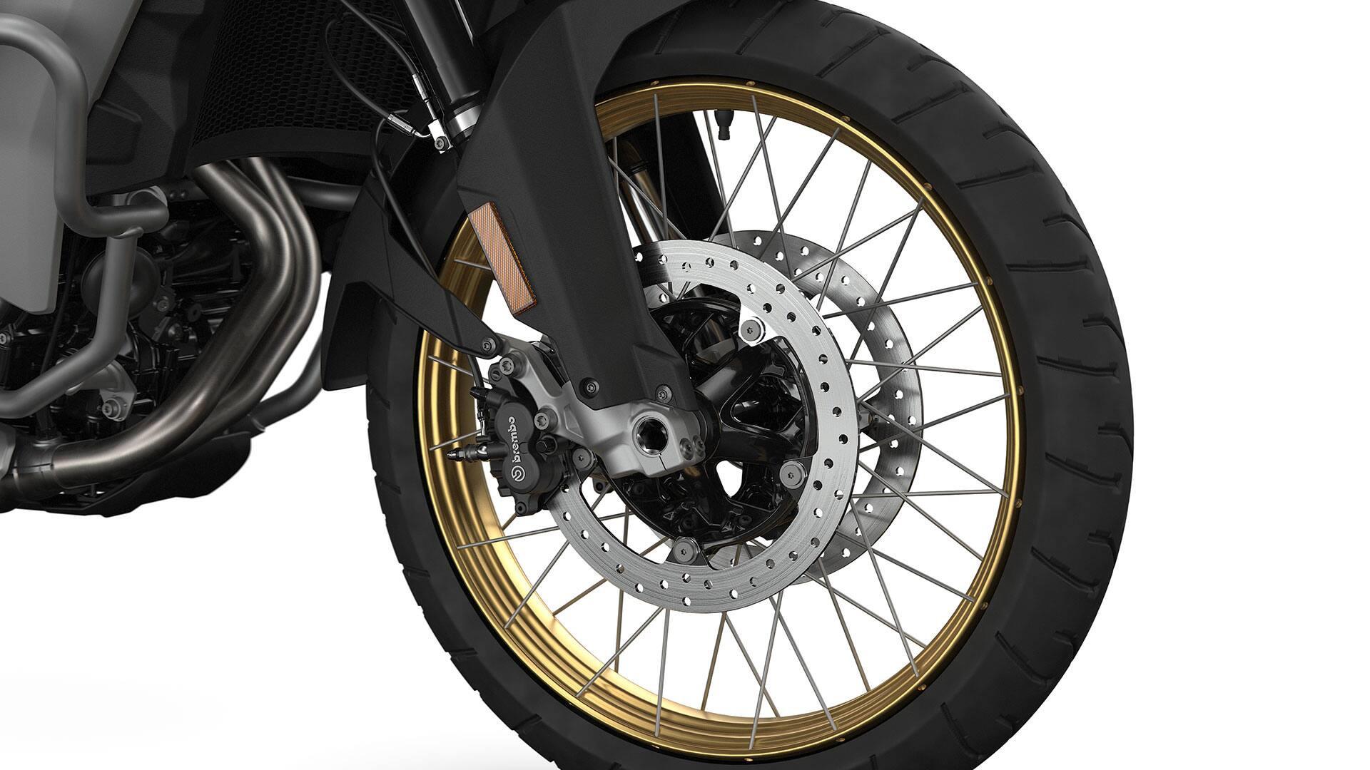 Золоті анодовані колісні диски