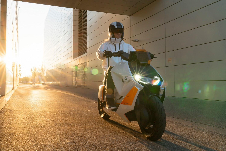 BMW Motorrad Definition CE 04 – новий міський стиль